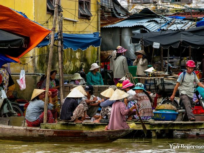 Marché flottan de Hoi an