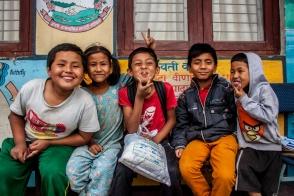 Shakti et ses amis d'école