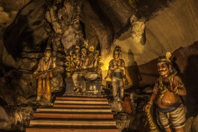 Temple dans la grotte